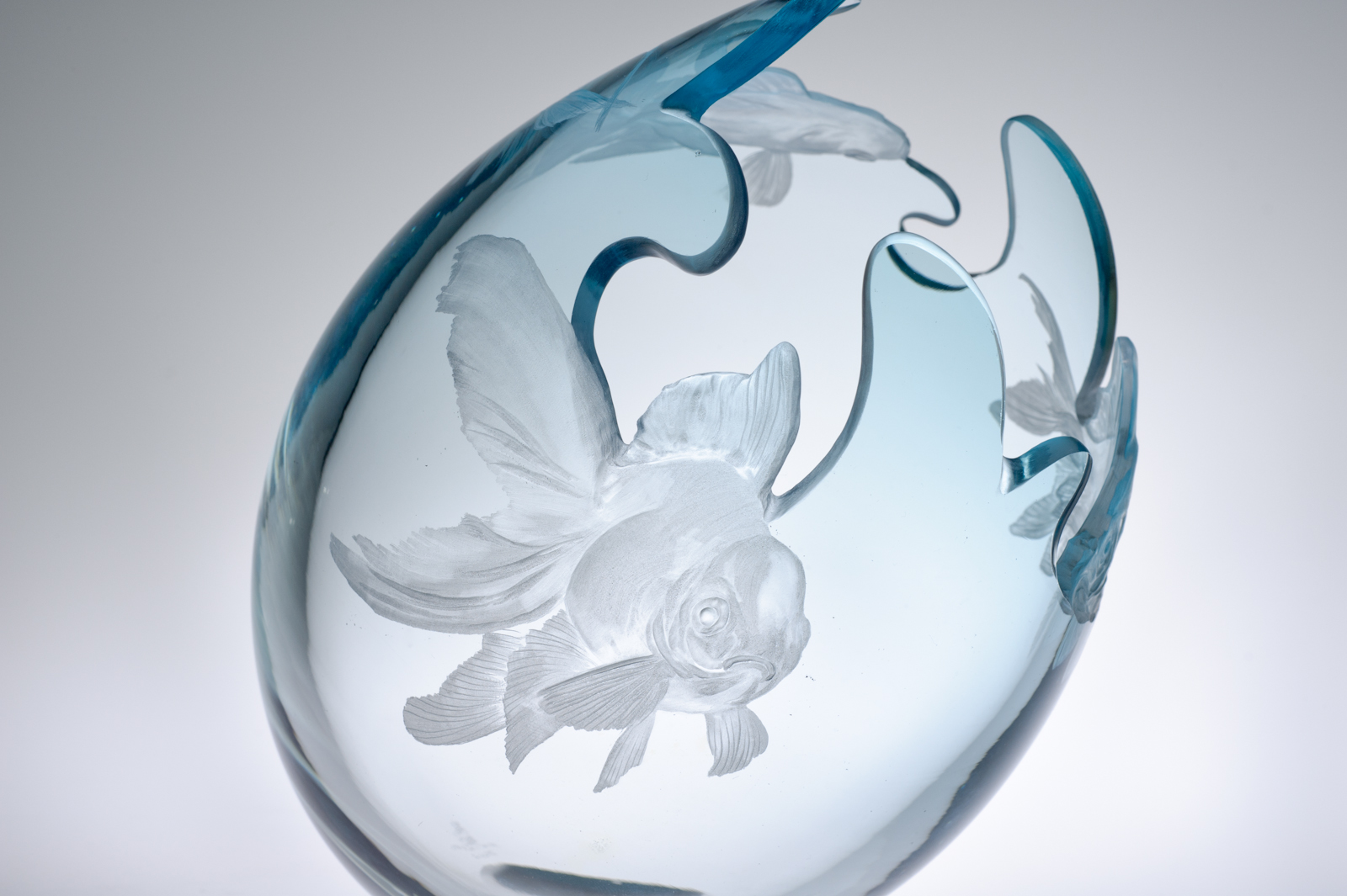 Engraved glass bowl by Miki Kubo. (photo taken by Michael Myers)