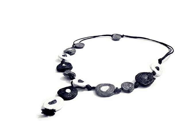 corolla - necklace - flowerlike collection