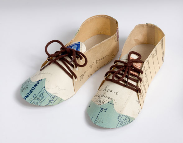 letter-brogues