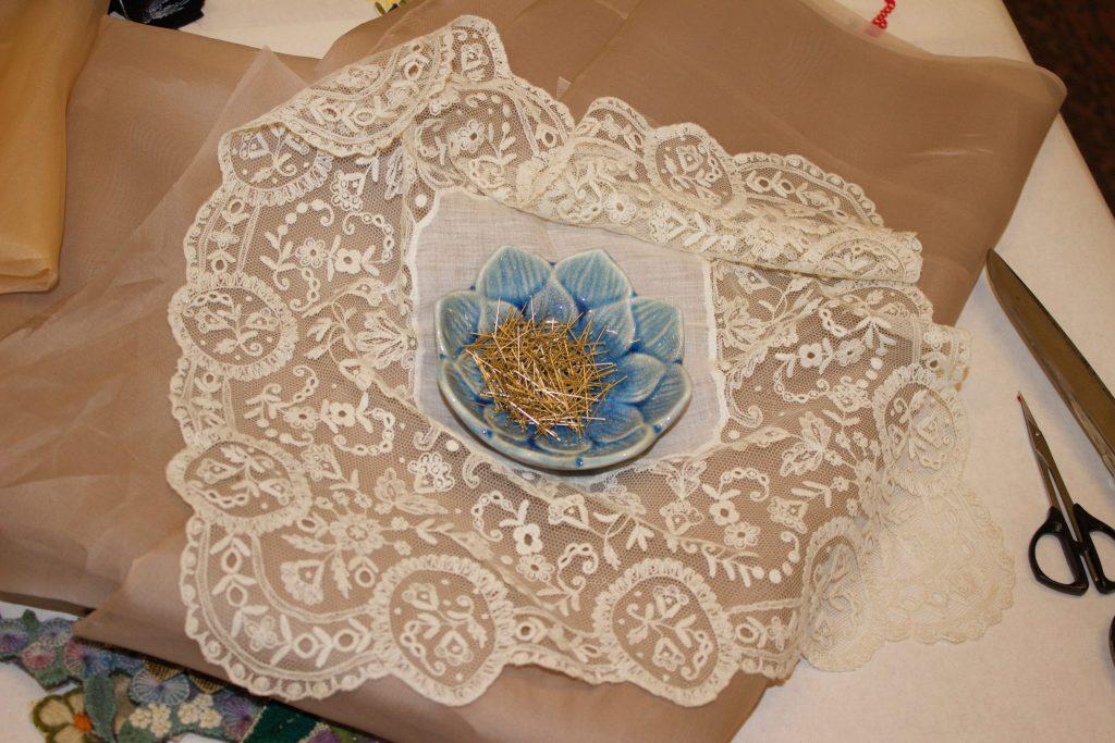 12.LouiseSaxton_pins&antiqueLace